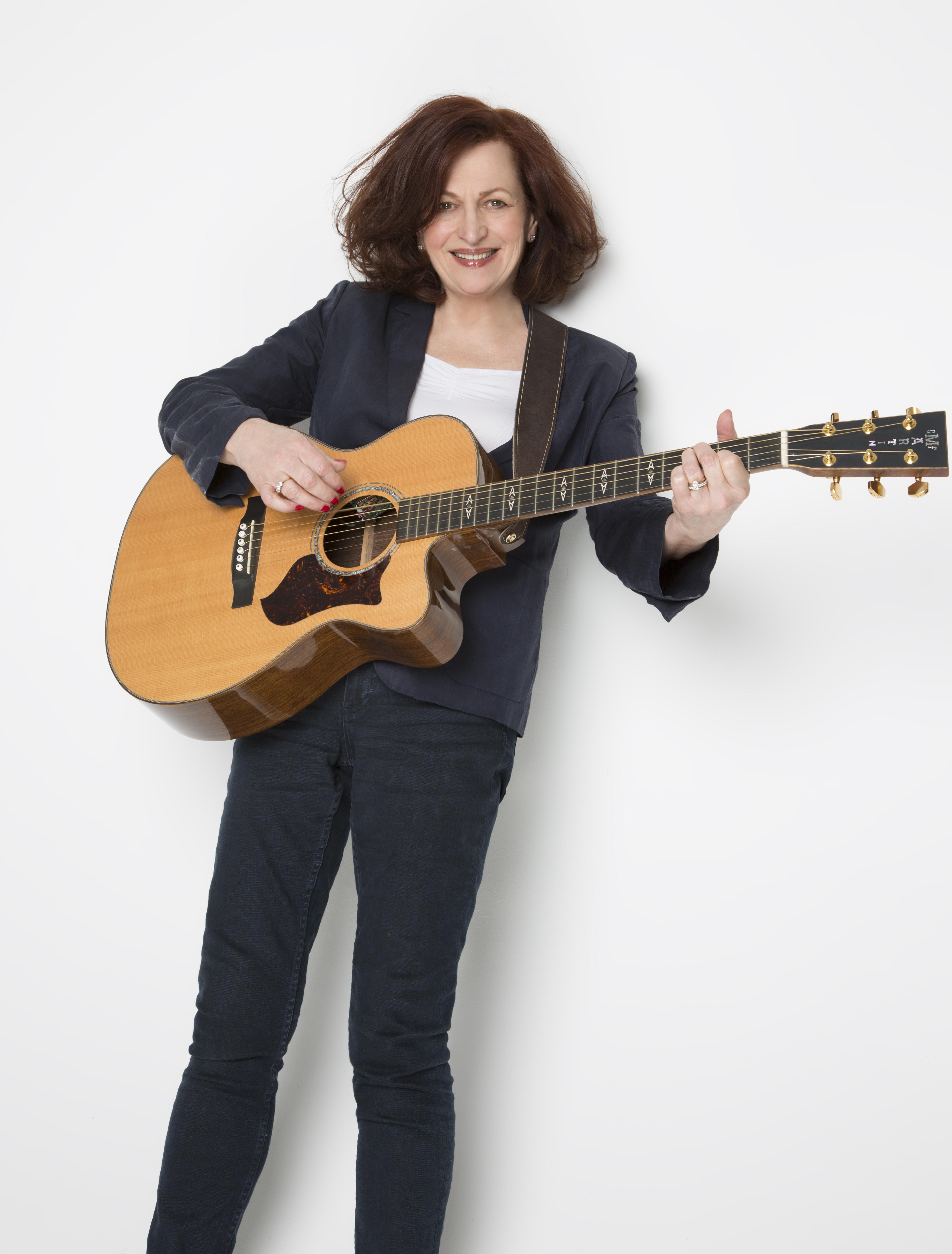 Barbara Dickson Standing With Guitar 2016CREDIT